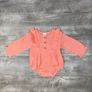 Baby girls coral cotton linen ruffle romper